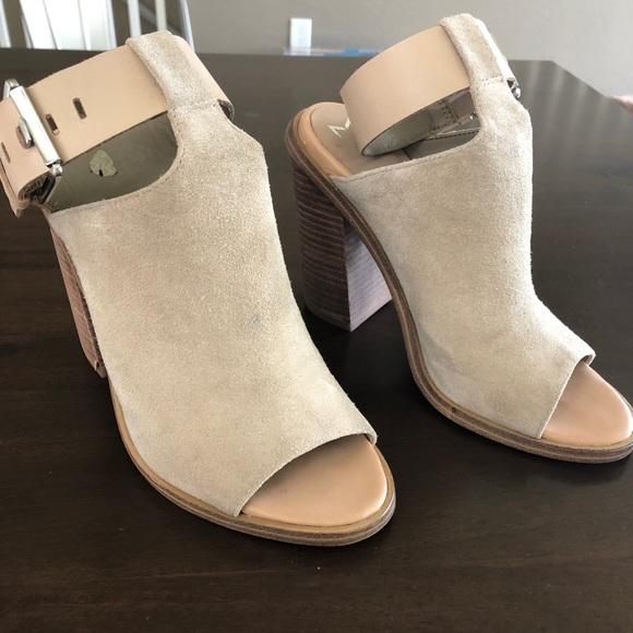 77cc6b7f785 Marc Fisher vashi ankle strap sandal. M 5ae7e46b1dffda705f9e7210